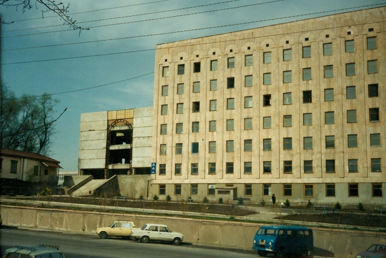 1993-04 Seifullin Street Office Building