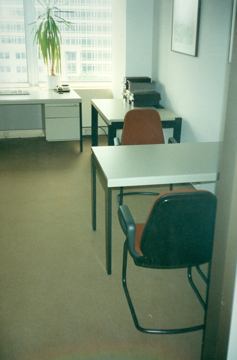 1993-12 Our New Furniture still in Frankfurt Brokers
